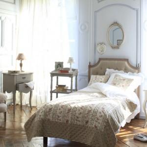 Текстиль и мебель в интерьере спальни прованса фото