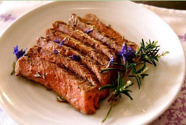 мясо с лавандой