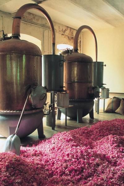 старинный парфюмерный завод