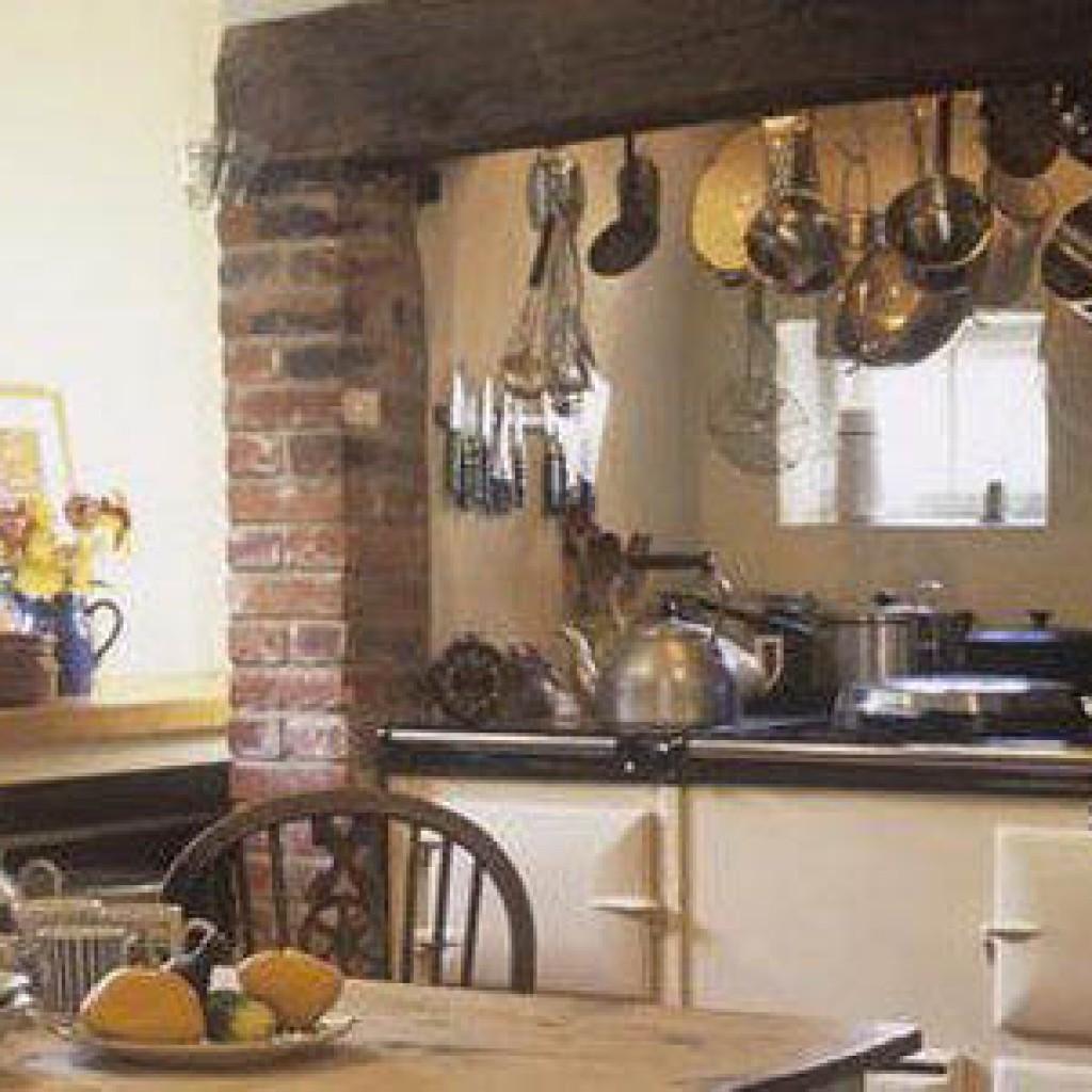 Традиционные кухонные предметы приготовления пищи в провансе фото