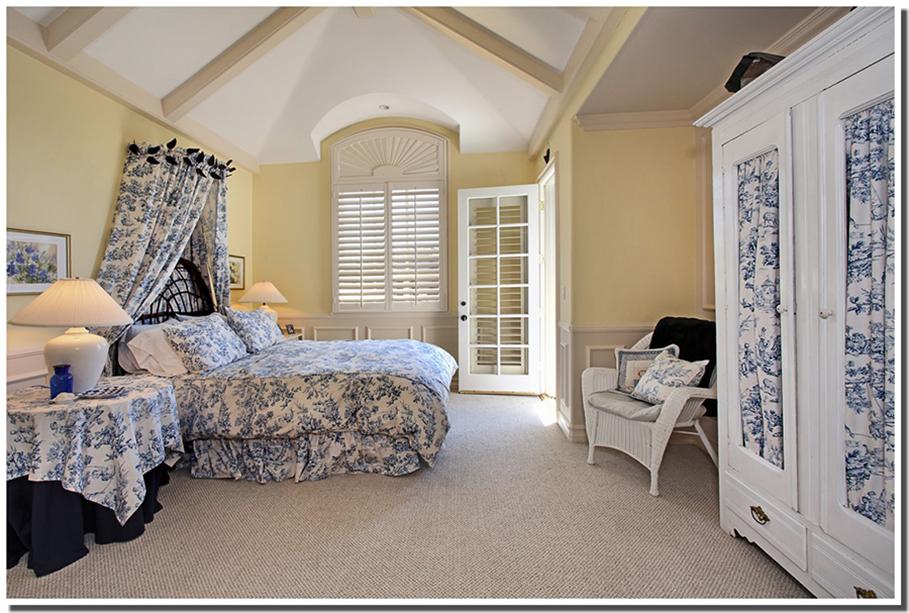 романтическая спальня в интерьере прованс фото
